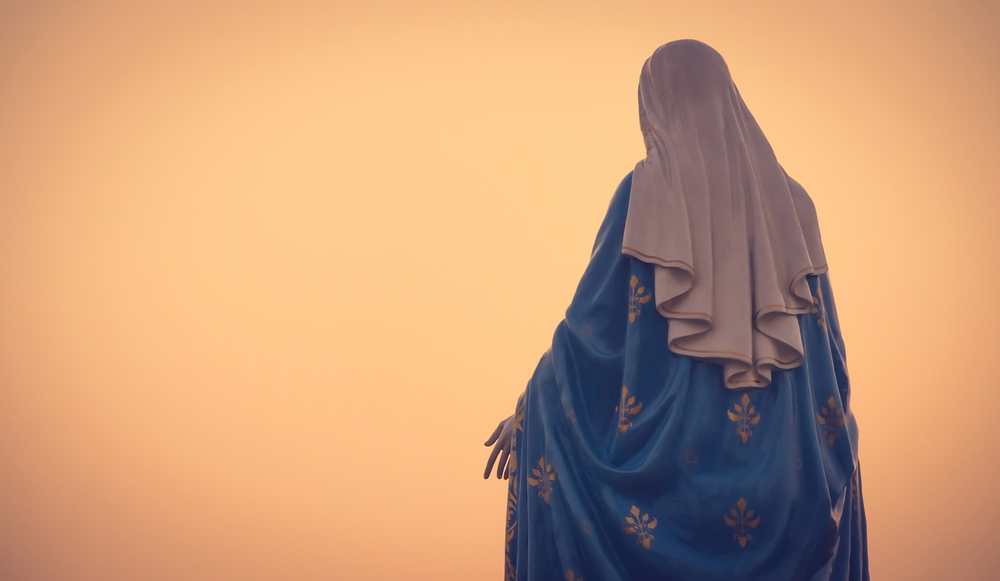 The,Blessed,Virgin,Mary,Statue,Figure,In,A,Warm,Tone